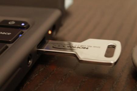 USBメモリをPCに接続するとフォーマットする必要がありますと表示される場合